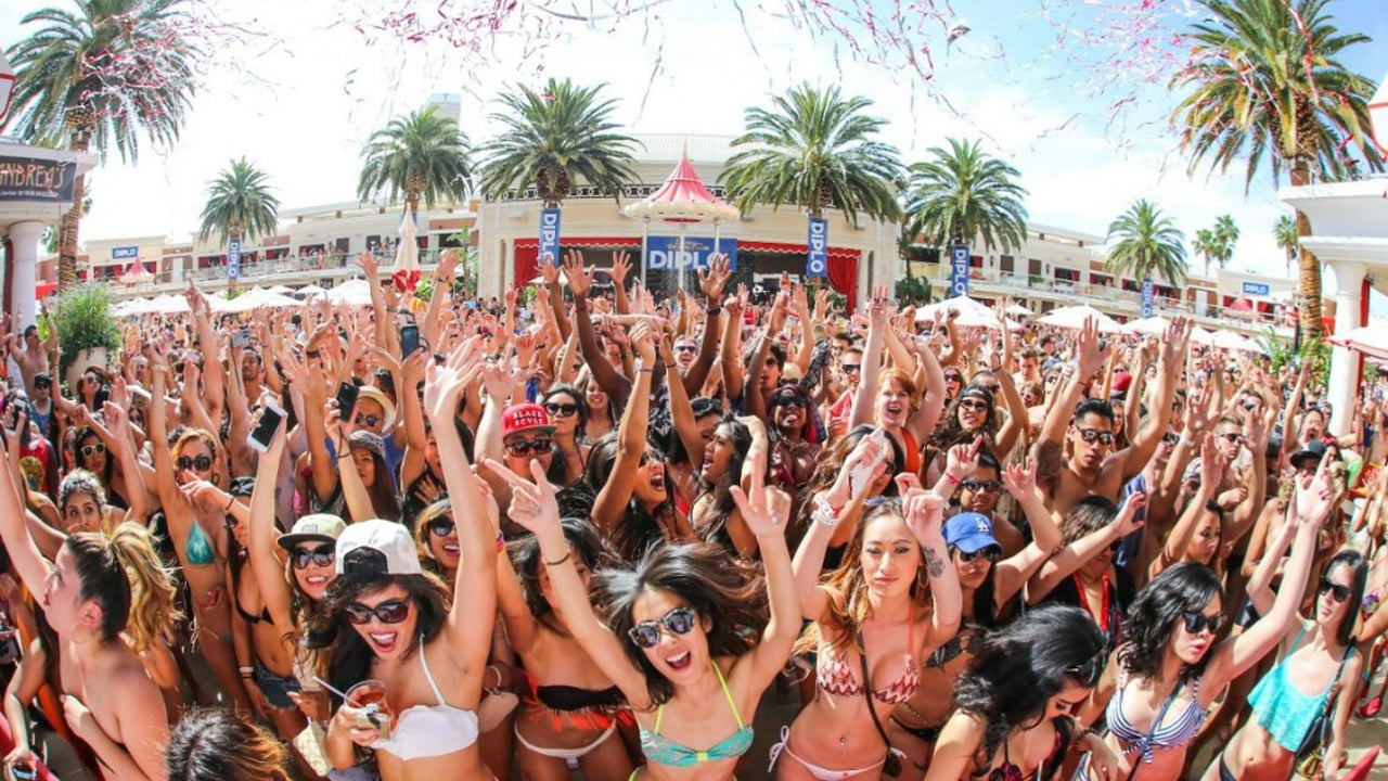 Las Vegas Pool Parties Kick Off Summer 2017