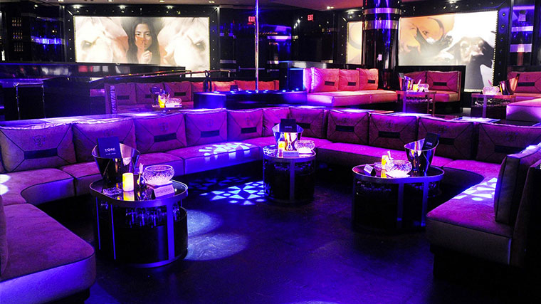 1 oak nightclub vip bottle service events galavantier for 1 oak las vegas table prices