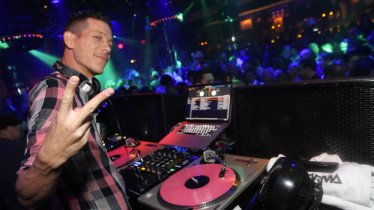 VIP Bottle service 1 Oak nightclub