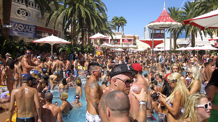 Pool party Encore Beach Cabana