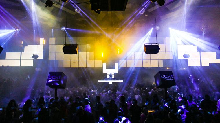 ... Las Vegas Mandalay Bay Light Nightclub ...