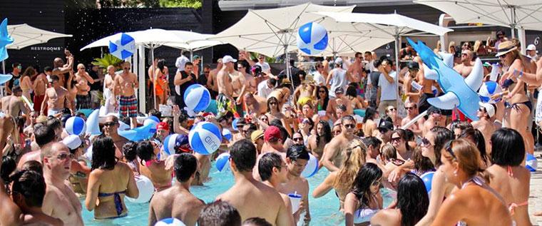 Summer pool party Liquid Pool