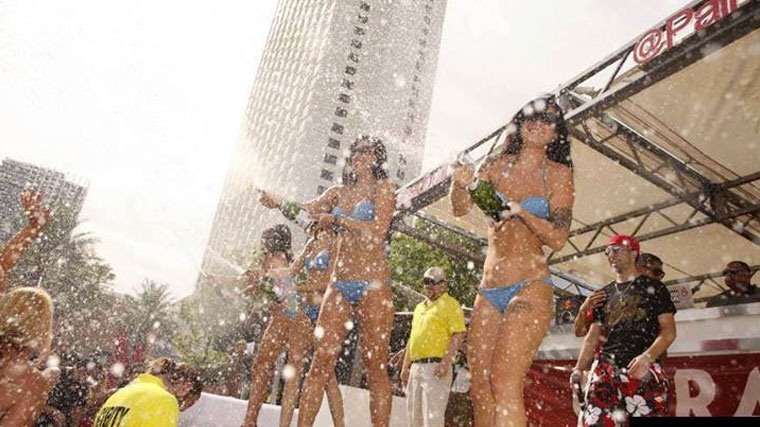 Palms Pool and Dayclub 3