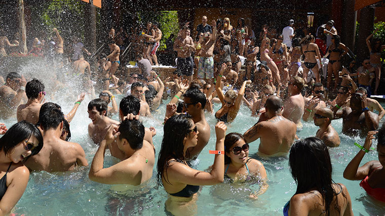 Vegas pool party Tao Beach