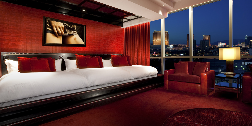 Best Party Suites In Sin City Galavantier Adorable 3 Bedroom Penthouses In Las Vegas Style